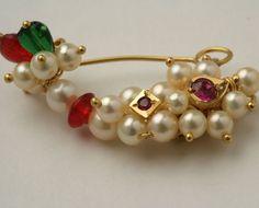 :: PNG ::Nose Pin, Specially weared by Maharashtrian .precioso y de buen gusto. Cute Jewelry, Bridal Jewelry, Nath Bridal, Nose Ring Designs, Nose Jewels, Maharashtrian Jewellery, Traditional Indian Jewellery, Jewellery Sketches, India Jewelry