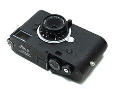 Leica Summaron-M black limited edition lens announced in Japan Nikon Dslr Camera, Camera Hacks, Camera Gear, Film Camera, Old Cameras, Canon Cameras, Canon Lens, Classic Camera, Photography Camera