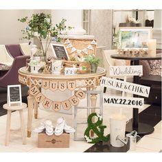 結婚式レポ始めます まずはウェルカムスペース ここは飾りの中で1番こだわった部分 手作りもたーくさんしたな〜 私の好き❤️をいっぱい詰め込んだお気に入りスペース 搬入の日にあーでもないこーでもないって時間かけて並べて、当日はそれをプランナーさんが再現してくれました #ウェルカムスペース#ウェルカムツリー#ガーランド#ウェディングサイン#アンドオブジェ#ラブストーリー#ウェルカムトランク#ウェルカムボード#バードゲージ#ランタン#イニシャルオブジェ#結婚式レポ#結婚式#プレ花嫁#卒花#ナチュラルウェディング#ウェディング#ブライダル#結婚式diy #ウェディングニュース#marry本装飾アイテム#wedding#bridal#welcome#icwedding522