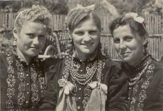 :) Folk Costume, Costume Dress, Costumes, My Heritage, Fashion History, Vintage Images, Folklore, Old Photos, Embroidery Patterns