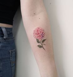 40 Most Adorable Small Flower Tattoos for Women - Millions Grace Small Flower Tattoos For Women, Tiny Flower Tattoos, Small Sister Tattoos, Small Tattoos With Meaning, Small Meaningful Tattoos, Small Tattoos For Guys, Floral Tattoos, Elegant Tattoos, Cute Tattoos