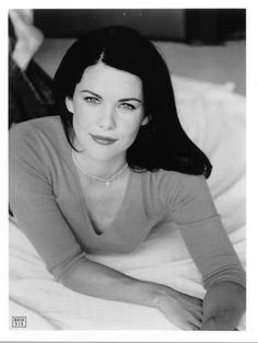 Lauren Graham, you beautiful woman. Level 3 girl crush, for sure. Such an American Beauty.