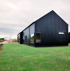 Black 'barn' wins national architecture award