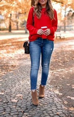 Autumn winter fashion trends page 2 Street Style Outfits, Mode Outfits, Casual Outfits, Fashion Outfits, Fashion Trends, Fall Winter Outfits, Autumn Winter Fashion, Spring Outfits, Red Sweater Outfit
