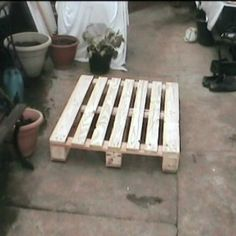 So many projects use reclaimed pallets. Here is an Instructable on how to take those pallets apart.