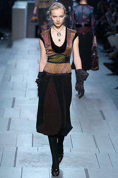 Louis Vuitton Fall 2005 Ready-to-Wear Fashion Show - Eugenia Volodina