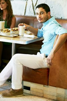 Bonobos Spring Guy Style, Men's Style, Summer Clothes, Summer Outfits, Suit Accessories, Man Up, Golf Outfit, Gentleman Style, White Pants