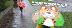 Vrolijke kinderparaplu's tijger en brandweer.