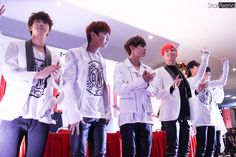 [Picture/Media] BTS at Fansign/Hi-Touch Event in Singapore Part 2 [141212]
