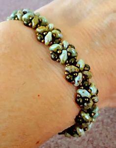 "QUICK SUPERDUO BRACELET   15/0 seed beads ""Metallic Chocolate"" *     3mm druks "" Bronze Antique "" **     SuperDuo beads ""Opaque Green L..."