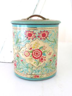 Vintage made in Holland tin canisters (4) by bluebirdandviolet on Etsy