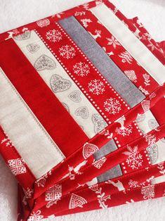 Vánoční / Zboží prodejce Lenka Šálková | Fler.cz Napkins, Quilts, Blanket, Scrappy Quilts, Towels, Dinner Napkins, Quilt Sets, Blankets, Log Cabin Quilts
