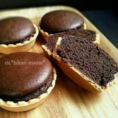 Economically without butter ♪ Fluffy moist chocolate tart ♡ Sweets Recipes, Baking Recipes, Cake Recipes, Sweet Desserts, Delicious Desserts, Don Perignon, Japanese Bakery, Sweet Cakes, Mini Cakes