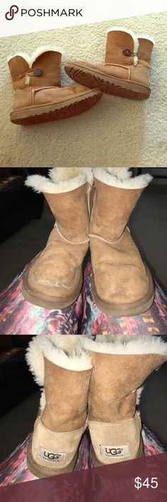 UGG Bailey button boots UGG chestnut Bailey button boots. They are size 4 but can fit easily a size 5- 5-1/2. As you can see in the picture the front has visible use but in general this boots still have a lot of life. Price reflect the condition. UGG Shoes Ankle Boots & Booties