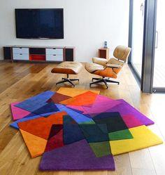 Una alfombra asimétrica y muy colorida