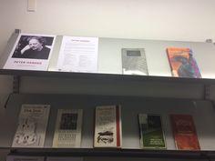 El escritor austriaco Peter Handke ha sido investido Doctor Honoris Causa por la Universidad de Alcalá de Henares. En este expositor de la 1ª planta podéis encontrar una selección de sus obras. (2 junio 2017) Peter Handke, Don Juan, Frame, University, Writers, Picture Frame, Frames