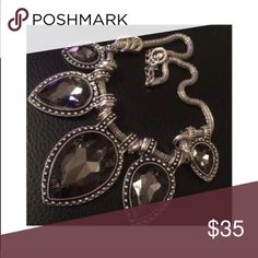 ✨Gorgeous Statement Necklace✨ Brand new. I bought but never used. Don't miss out on this gorgeous piece. Jewelry Necklaces