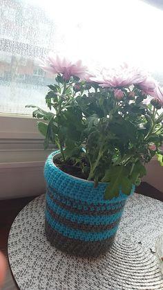 Crochet flower pot virkattu suojaruukku