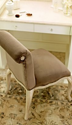 Generously proportioned and luxuriously upholstered, our Sweetheart Vanity Chair brings updated elegance to a functional piece.