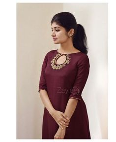 Kurti Sleeves Design, Kurta Neck Design, Sleeves Designs For Dresses, Dress Neck Designs, Stylish Dress Designs, Neck Design For Kurtis, Chudidhar Neck Designs, Kurti Back Neck Designs, Salwar Designs