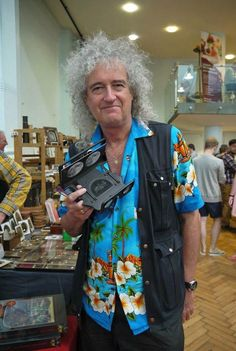 Media preview Queen Brian May, I Am A Queen, Save The Queen, Queen Guitarist, The Jazz Singer, Arena Rock, Ben Hardy, Photo Processing, John Deacon