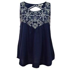 Este fin de semana opta por utilizar un outfit casual, con esta blusa ligera en color azul. #ZoaraMayoreo #Estilo #Style #Mood