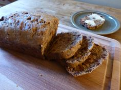 Bara Brith: the ultimate cyclist's energy food? Bara Brith, Welsh Recipes, Banana Bread, Britain, Irish, Cycling, Vegetarian, Treats, Cakes