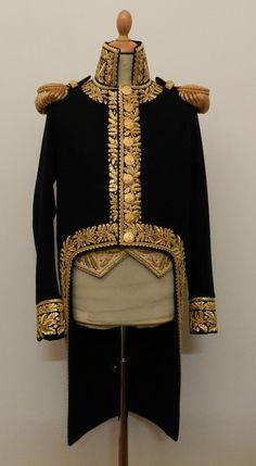 giacca marsina vittoriana sfondo uomo