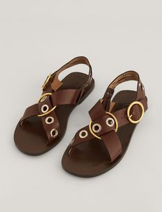 Gaya Leather Sandal Italian Sandals, Joseph Fashion, Simple Summer Outfits, Chunky Sandals, Linen Trousers, Comfy Shoes, New Shoes, Dress Me Up, Wardrobe Staples