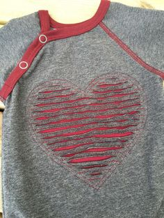 Perfecting Sew A T-shirt for Men Ideas. Immaculate Sew A T-shirt for Men Ideas. Textiles Techniques, Techniques Couture, Sewing Techniques, Sewing Hacks, Sewing Tutorials, Sewing Crafts, Sewing Projects, Sewing Clothes, Diy Clothes