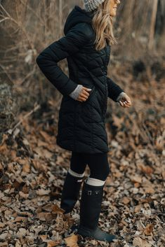 Cold weather favorite: bernardo coat + giveaway cella jane snow clothes, co Snow Outfits For Women, Winter Fashion Outfits, Autumn Winter Fashion, Trendy Fashion, Cold Weather Jackets, Cold Weather Outfits, Cold Weather Style, Cold Weather Boots, Winter Looks