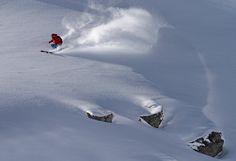 Österreichs Freeride Hot Spot Nr. 1: Das Hochjoch (2520 m) ist ein Trainingsgelände für Profis und die ganz Harten unter uns. Hier locken die steilsten Runs, spektakuläre Lines und Sprünge. Nicht ohne Grund machte 2007 und 2008 die Freeride World Tour genau hier einen Stop. Seit 2011 findet jährlich das Montafoner Freeride Festival statt. #silvrettamontafon #freeride #skiing #freeridecontest #powder Mount Everest, Waves, Mountains, Hot, Nature, Outdoor, Ski Resorts, Curls, Alps