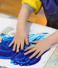 Polar Bear Process Art (Play to Learn Preschool) Preschool Art Projects, Preschool Learning Activities, Preschool Crafts, Preschool Curriculum, Preschool Ideas, Art Activities, Kids Crafts, Kindergarten, Winter Crafts For Kids