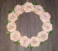věneček z papírových růží