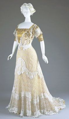 1909 evening dress by M.A. Ryan, USA