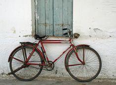 Noch mal 25 Tipps, wie Du einfacher leben kannst - Foto: Altes Velo auf dem Peloponnes (Christof Herrmann, 2006)