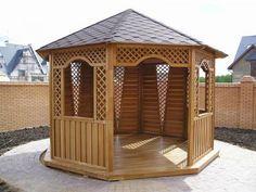 Восьмиугольная деревянная садовая беседка