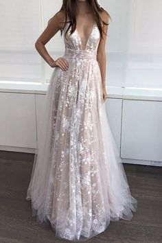 Elegant A-line V-neck Tulle Floor-length with Appliques Lace Prom Dress #Milly020104576