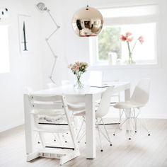 fruFLY white and copper White Interior Design, Interior And Exterior, Interior Decorating, Home Living Room, Apartment Living, Scandi Home, Duplex, White Houses, Cozy House