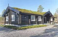 Chalet Style, Scandinavian Home, Country Style, Bali, Exterior, Rustic, House Styles, Green Roofs, Home Decor