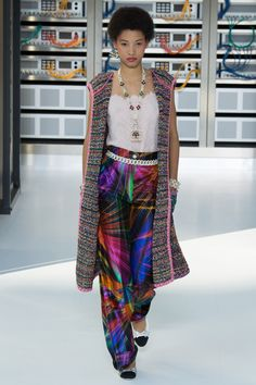 Chanel Spring 2017 Ready-to-Wear Collection - Vogue