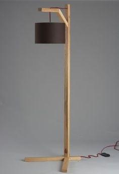 Lavish Diy Mason Jar Floor Lamp and diy floor lamp makeovers Diy Floor Lamp, Wooden Floor Lamps, Wood Lamps, Floor Lamp Makeover, Table Lamps, Diy Holz, Diy Flooring, Unique Lamps, Wooden Diy