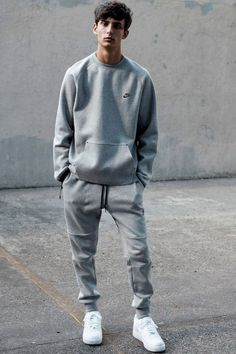 Adorable 55+ Best And Coolest Sneakers Shoes Collections For Men's Lifestyle https://www.tukuoke.com/55-best-and-coolest-sneakers-shoes-collections-for-mens-lifestyle-6577