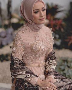 By Asky Febrianti Kebaya Muslim, Kebaya Hijab, Kebaya Dress, Hijab Gown, Batik Kebaya, Kebaya Wedding, Muslimah Wedding Dress, Muslim Wedding Dresses, Kebaya Modern Dress