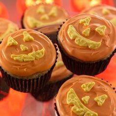 French Vanilla Cupcakes, Vanilla Cake Mixes, Vanilla Frosting, Icing, Baking Cupcakes, Cupcake Recipes, Cupcake Cakes, Cup Cakes, Yummy Treats