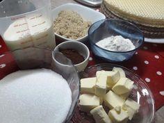 Napolitane cu crema de ciocolata – Savoare si Bun Gust Cheddar Cheese, Dairy, Food, Honey, Cream, Cheddar, Eten, Meals, Diet