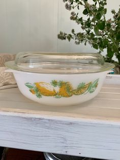 Agee Pyrex Lemons CR300 large Round Casserole with lid - Collectable Vintage Pyrex- HTF Vintage Pyrex Vintage Pyrex, Retro Vintage, Rare Pyrex, Glass Collection, Vintage Patterns, Casserole, This Or That Questions, Etsy, Casseroles