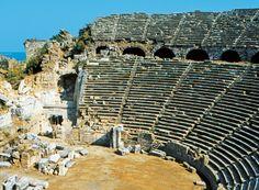 Koe antiikin aikoja henkivä Turkin Side. #Side #Turkki #aurinkomatkat #matkailu