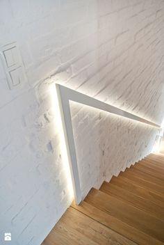 podświetlana poręcz przy schodach - zdjęcie od Base Architekci - Schody - Styl Skandynawski - Base Architekci