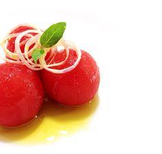 El poder de los simple. Salud con mayúsculas!  Ensalada de tomate   Tomato salad